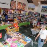 Idylliwld School hosts book fair