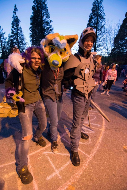 Bailee Hustos, Eric Gentree, and Ashlee Sterunk at the cake walk