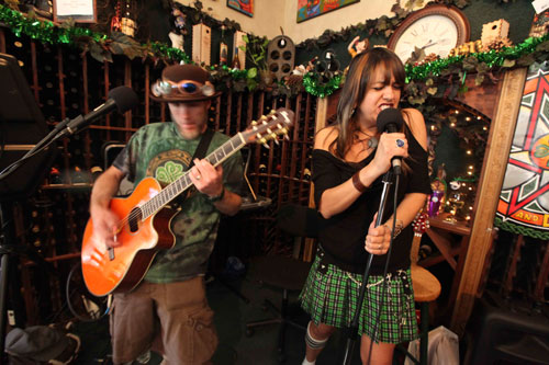 Pentagrams&Daisies (Colin Garth-Smith and Monica Sierras) perform Irish rock at Idyll Awhile on Sunday as a pre-St. Paddy's Day party. Photo by Dea Remo