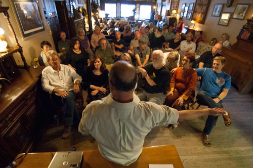 Idyllwild resident Eduardo Santiago, originally from Cuba, spoke about his complicated romance with his homeland at the Idyllwild Community Center Speaker Series on May 15 at Creekstone Inn.          Photo by John Pacheco