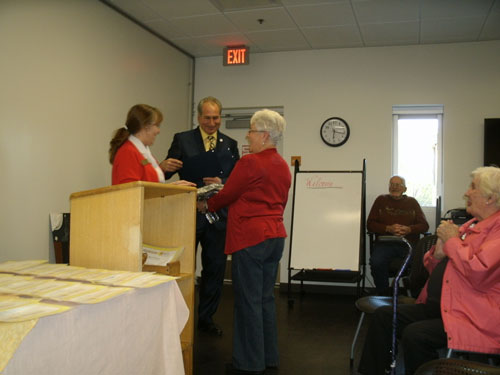 At left, Idyllwild Librarian Shannon Ng and Riverside County Supervisor Jeff Stone present a plaque to Jan Van Zanten at a volunteer appreciation event Tuesday, April 29 at the library. Shown at far right is long-time volunteer and former local resident Bonnie Doshier. Photo courtesy Idyllwild Library