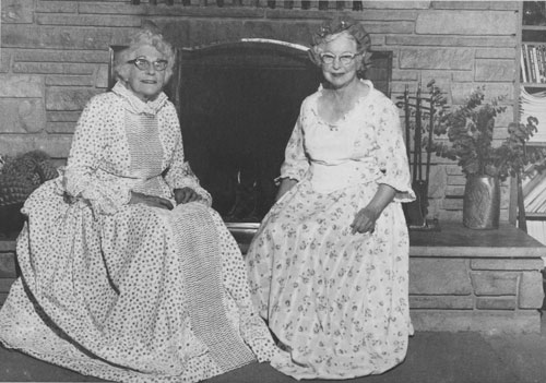 Cordelia Chenoweth and Frances McElderry modeled Colonial costumes they made for the Idyllwild Associates of USC annual dinner in April 1975. Dinner was to have a Colonial theme to officially start the bicentennial celebration in Idyllwild.       File photo