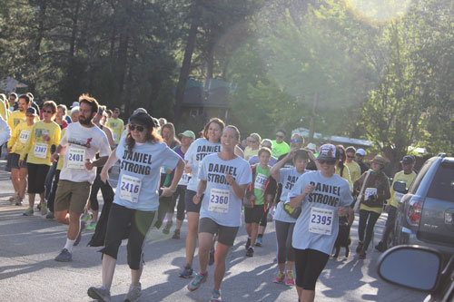 The Idyllwild 5k Race and Fitness Walk begins. This year, the fundraiser for the Idyllwild School physical education program enticed 364 participants.             Photo by Brennen Priefer