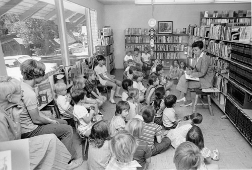 Idyllwild Librarian Lee LaCaff with her audience during a July 1972 summer story hour when the library was located in Fern Valley.             File photo