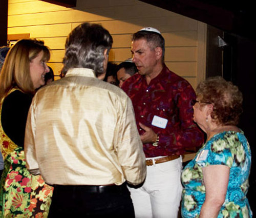 Julian King, Rabbi in Training, in red shirt, with Ken Luber, Kathy Harmon-Luber and Dottie Goldfarb. Photo by Barry Zander