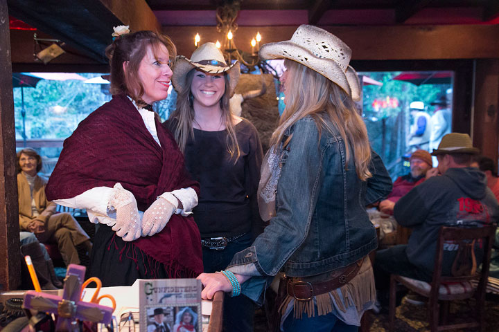 Christina Nordella, Brianna Ziegler and Idyology owner Windean Dahleen talk during the grand opening of the Fern Valley restaurant Saturday night. Photo by Jenny Kirchner