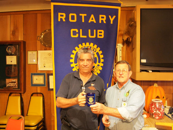 HOME INSPECTIONS INFO: Idyllwild Rotary Club President Rick Foster (right) thanks Tony Reyes of A.S.R Consulting Home Inspection Services for speaking during the Nov. 5 meeting at the American Legion Post 800. Reyes' topic was home inspectors and home inspection classes, which he teaches at Mt. San Jacinto Community College.  Photo by Nathan DePetris