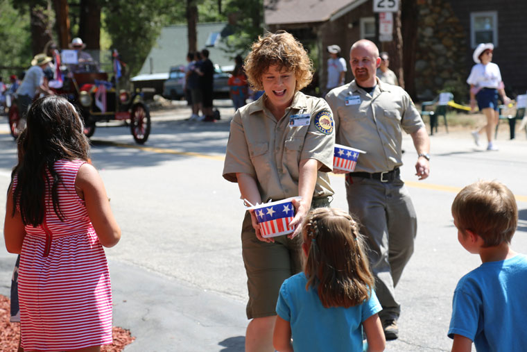 During the Fourth of July parade, members of the Mt. San Jacinto State Park distributed candy to the young onlookers. Photo by Cheryl Bayse