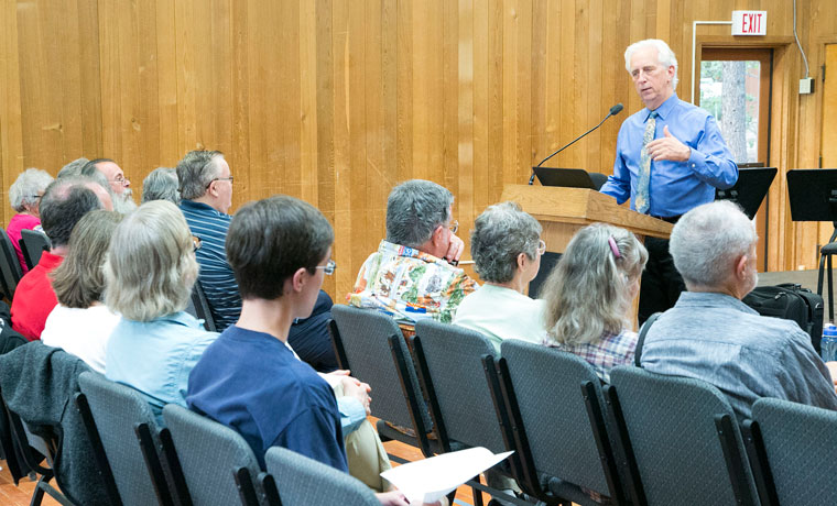 radio personality, Rich Capparela speaks to an eager audience about the first of three Chamber Music Concerts being held at Idyllwild Arts. Capparela explained the different pieces that were being performed that night. Photos by Jenny Kirchner