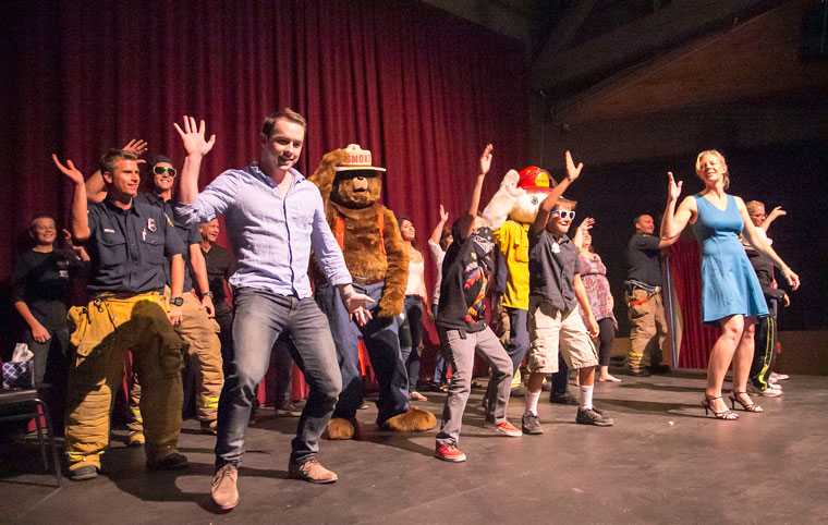 Idyllwild Fire and all the other volunteers performed a choreographed dance toward the end of the fundraiser event Friday night for James Bachmann who is fighting brain cancer. Photo by Jenny Kirchner