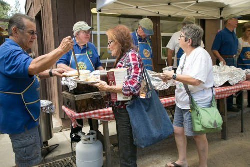 The Idyllwild Rotary Club served deep-pit barbecue at Town Hall Sunday during its annual Labor Day Barbecue fundraiser.Photo by Jenny Kirchner
