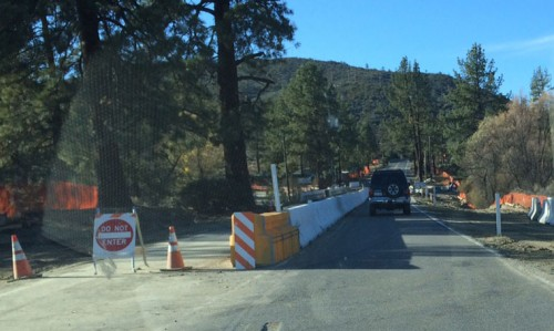 Approaching the Hurkey Creek Bridge construction from the Garner Valley side. The one lane is now only 130 inches wide (10 feet, 10 inches) making it a tight squeeze for large RVs and trucks. Photo by Marshall Smith