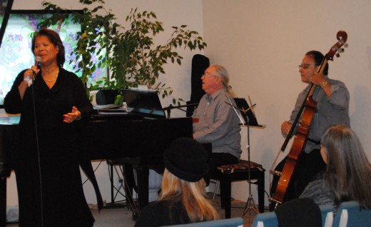 On Sunday afternoon, chanteuse Sherry Williams, accompanied by Barnaby Finch on piano and Bill Saitta on bass, gave a benefit concert at the Spiritual Living Center in Idyllwild.Photo by JP Crumrine