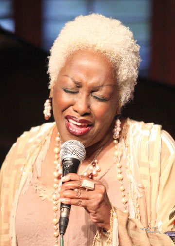 Rose Mallett, Chicago born jazz chanteuse, performs for the Associates of the Idyllwild Arts Foundation at a jazz brunch on the Idyllwild Arts campus on Sunday, March 20. Tickets sales benefit the Associate's scholarship-dedicated endowment. Photo courtesy of Rose Mallett