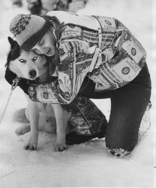 Michelle Haag gave her lead dog Fanoe a hug of reward after the sled dog races in January 1973. Michelle placed fourth in the preliminary race. Finals were to be held the following Sunday at the top of the Tram. File photo/Norwood Hazard