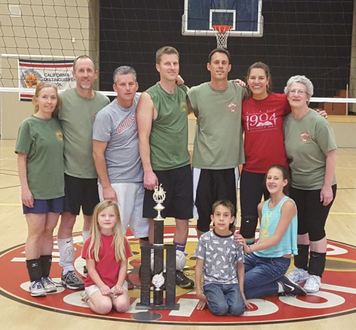 Last Saturday, Idyllwild Inn defeated Silver Pines Lodge to become the Adult Coed Volleyball Champions of 2016. Team players (from left, standing), are Misty and Dan Hitchcock, Brennan Priefer, Capt. Josh White, Jason and Dawn Sonnier, and Paula Shirley. Posing in the front row with the trophy are proud kids Abby White, and Tyler and Katelyn Sonnier. Not present were Jeremy Teeguarden and Jeremy Allen.Photo by Jessica Priefer