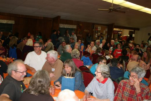 A capacity crowd came out to enjoy the Soroptimist International of Idyllwild's annual Basket Festival and Spaghetti Dinner at Buckhorn Camp. Basket winners are Kids and Family, Deb Gmeiner; Mystery, The Van Zantens; Mountain Folk, David Sandlin; Mountain Gardens, Barbara Wallace; Travel and Leisure, Barbara Longbrook; and Wine and Dine, Reb Neuman. Photo by Becky Clark