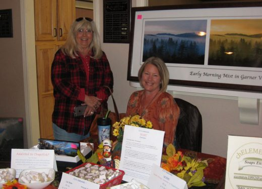 Carole Winch and Marcia Willert at the Garner Valley Gals' annual Craft Faire last Saturday at the Garner Valley Common. Photo by Kathy Bowman